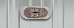 La rosace qui protège le demi-cylindre de la barre de sûreté universelle Viro de l'extérieur.