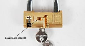 Le cadenas cylindrique Viro a une goupille de sécurité du côté opposé aux autres goupilles.