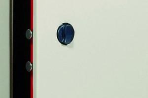 Le bouton d'une armoire de sécurité Viro.
