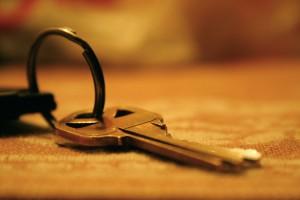 Un système à clé identique réduit un gros trousseau de clés à une clé unique (photo de Jillian Anne Photography.