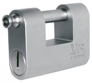 Le cadenas Viro Monolit est un bel exemple de cadenas monobloc in acier.