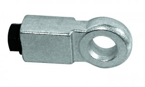 Un œillet pour rideau a une épaisseur qui est étudiée de manière à ne pas laisser découvert l'axe de verrouillage du cadenas.