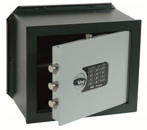 Le coffre-fort Viro Privacy est également disponible avec cylindre (avec protection antieffraction et anti-perçage) pour ouverture de secours et clé à profil breveté, reproductible uniquement par Viro.